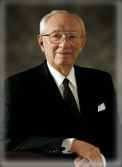 http://www.gospel-doctrine.com/images/gordon-b-hinckley.jpg